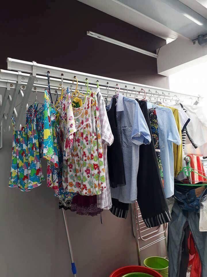 giá treo quần áo thông minh
